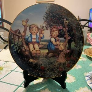 Vintage MJ Hummel Collectors Plate from 1989